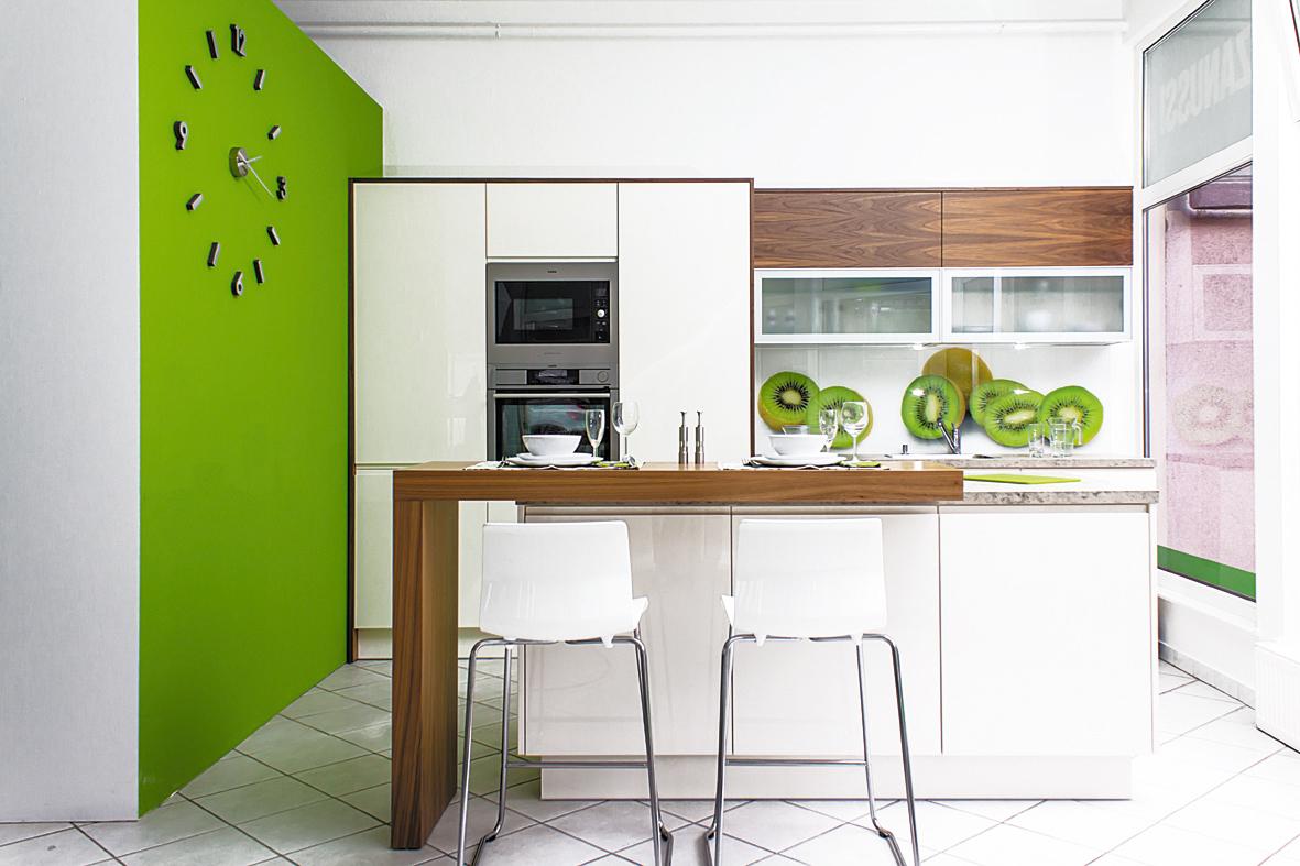 Profilmart magasfényű festett magnólia- dió konyha
