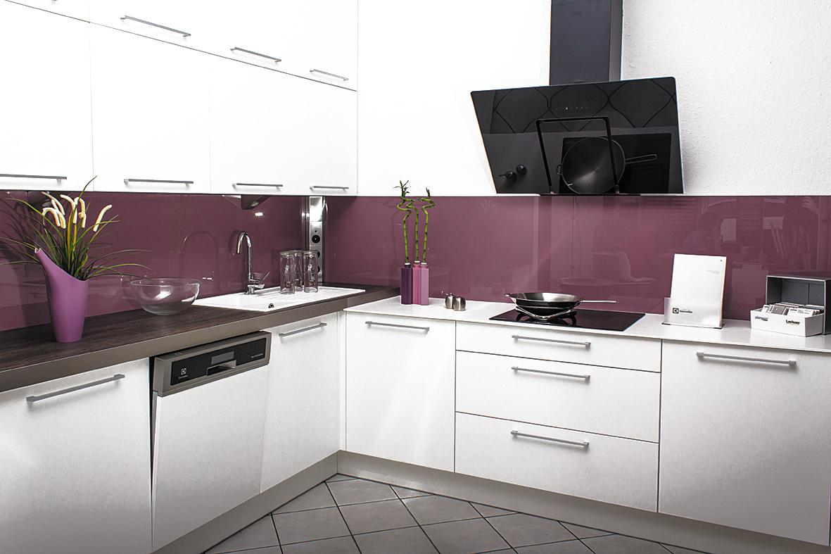 Fehér szupermatt festett konyha